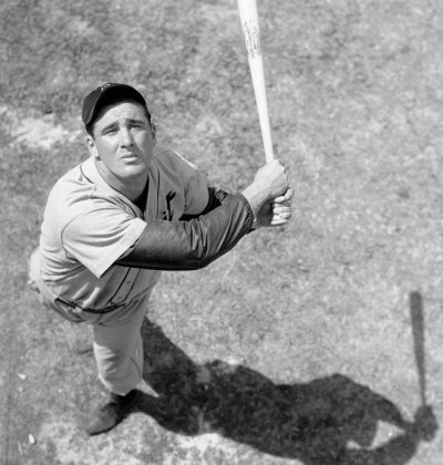 "siphotos:  Tigers first baseman Hank ""The Hebrew Hammer"" Greenberg takes a swing at batting practice in 1935. Greenberg was a five-time All-Star, two-time AL MVP and was elected to the Baseball Hall of Fame in 1955. Can this year's Tigers squad win the World Series? The best-of-seven series kicks off Wednesday night in San Francisco. (AP) GALLERY: Classic Photos of the Detroit TigersPREVIEW: Postion-by-position breakdown of World Series  HEBREW HAMMER!!!! ilyen nickkel Hammer Ferenc ma tévéelnök lenne."