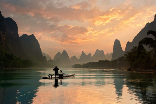 Golden Li river By photographer Yan Zhang.View Postshared via WordPress.com