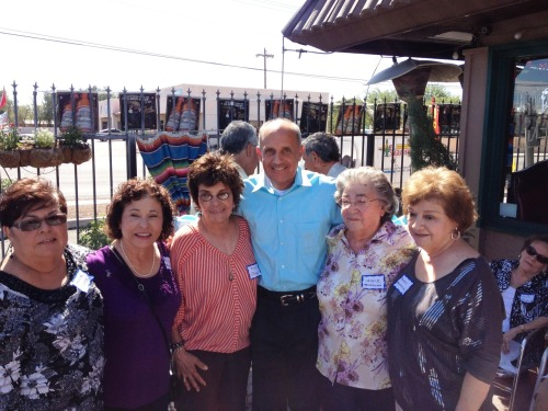 Dr. Carmona meets a great group of folks at El Saguarito in Tucson during a fantastic lunch!