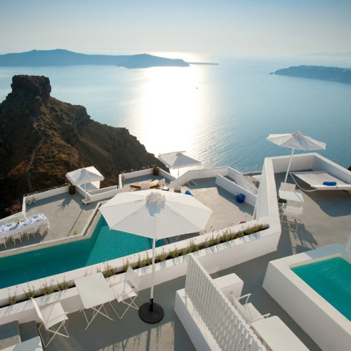 Santorini Grace Hotel @ Greece(via Fancy)