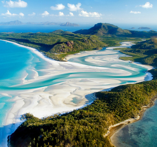 Whitehaven Beach @ Australia(via Fancy)