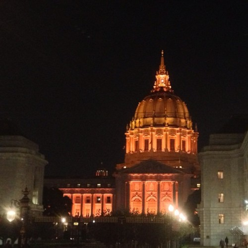 #OrangeOctober glow lights up San Francisco, a magical and civic pride. (at San Francisco Ballet)