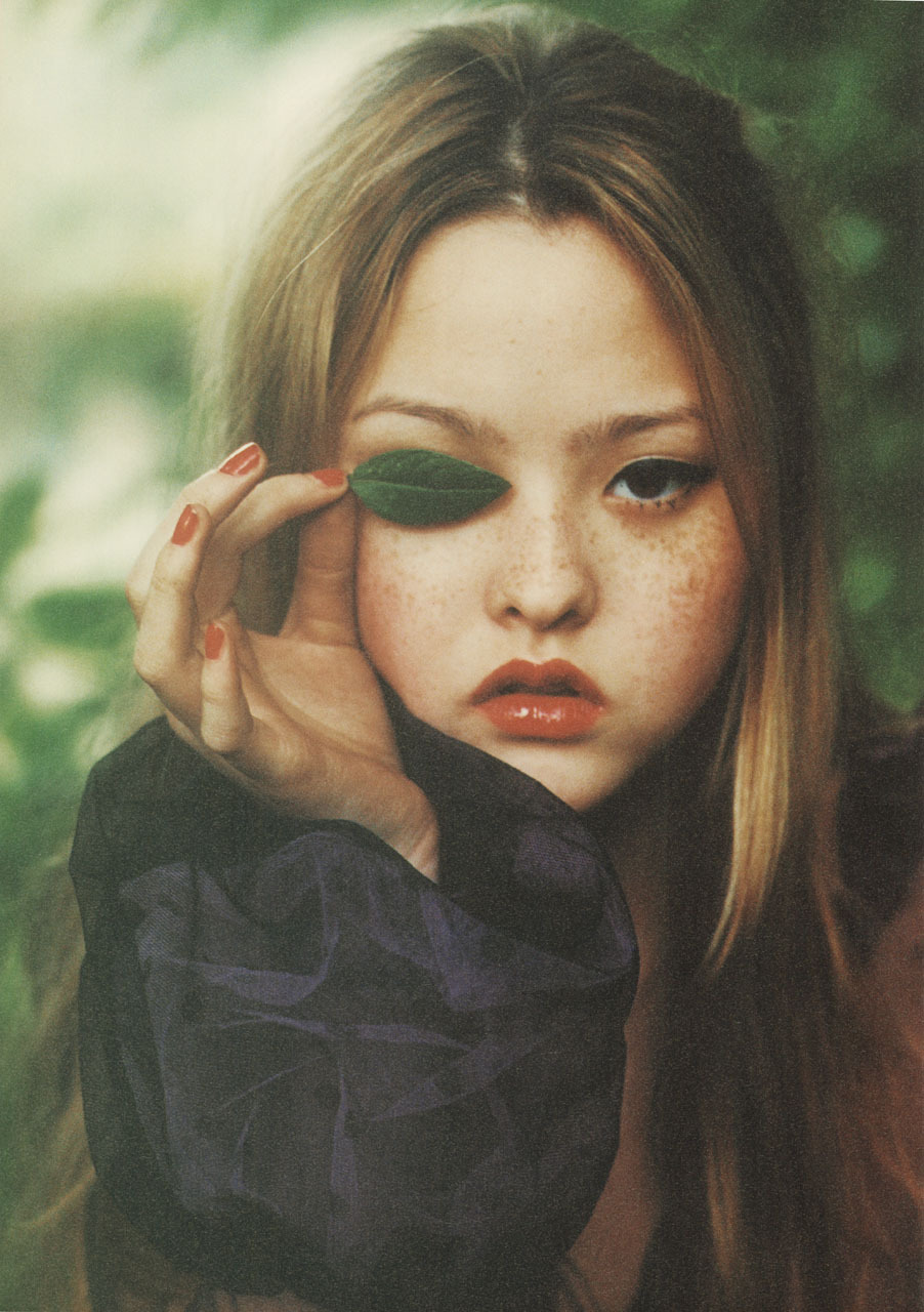 Devon Aoki, i-D Magazinephotography ellen von unwerth styling edward enninful hair bob recine make-up mary jane frost  Fashion Images de Mode Nº4 (1999)