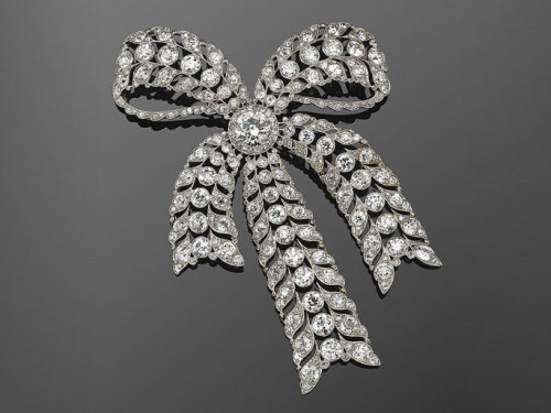 fripperiesandfobs:  Old European Cut Diamond Filigree Bow Brooch, circa 1910