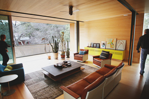 Are those Dieter Rams designed (1962) chairs/sofa? Via