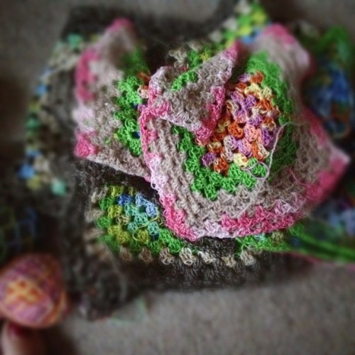 Just can't get enough of these #grannysquares #crochet #craft #yarn #crochetaddict
