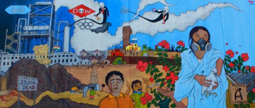 TAP (Turn Around Project) visited Bhopal in December 2011 to host an  arts project creating, amongst other things, this impressive mural designed, and painted, with the help of community members, plus staff and visitors to the Sambhavna Clinic.  TAP will be visiting Sambhavna again this December.  Visit TAP's 'Journey to Bhopal' blog