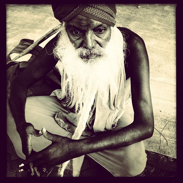 Madurai Sadhu (iP5) #India #portraits #whitebeard #tamilnadu #temple #sacred  #travel #madurai #saint  (at Madurai, India)