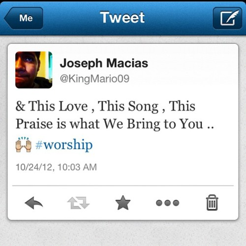 ayo-stitch:  #tweeter #worshiper #jesusculture