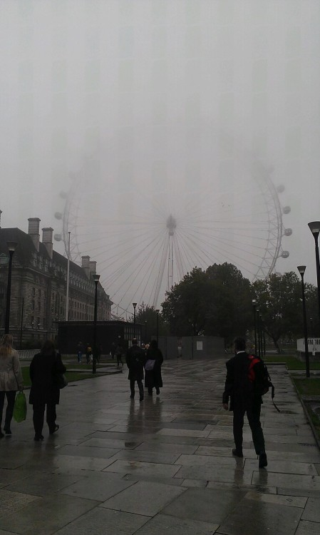 We had a very foggy day here in London on Tuesday! Can't even see the top of the London Eye