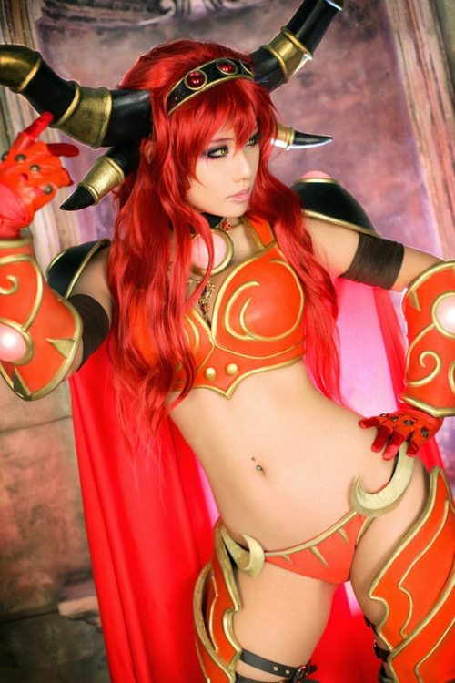 geekygeekweek:  'Geeks-R-Sexy'  Alexstrasza from World of Warcraft (Cosplay)   Cosplayer: Tasha, from the Korean cosplay group Spiral Cats.