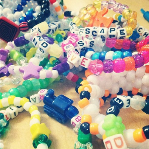 kiss-thehaze:  kandi on #kandi #rave #kandikid #plursociety #plur #peace #love #unity #respect #life