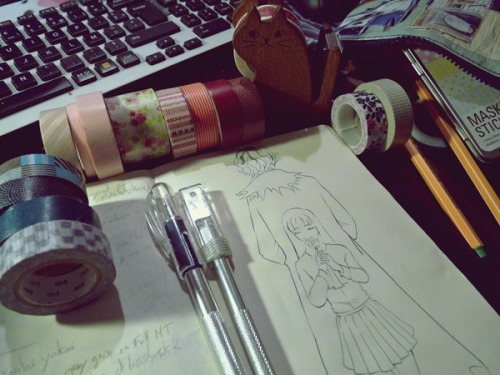 Back to masking tape ♥ Yes, Ib again… The end of this sketchbook is full of Ib's drawing (Well… Garry's drawings vv;) And it's not the end yet, there is another sketch under this page waiting to be finished.  @Papermaiden : Merci beaucoup ! Je n'avais jamais enchainé de fanarts comme ça, mais c'est assez agréable au final XD;… J'espère que tu y joueras et que tu aimeras !