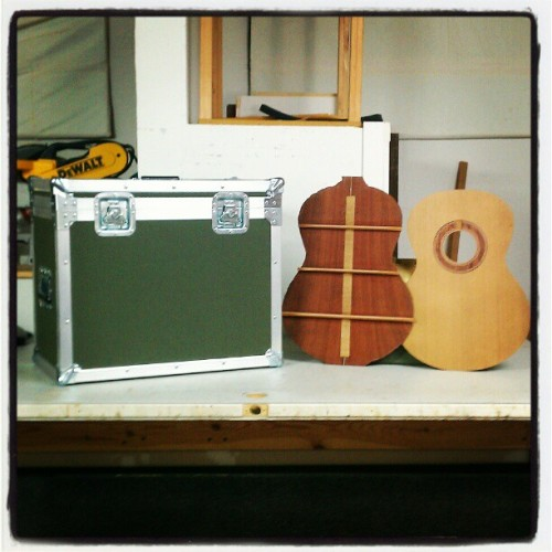 Just finished this case to protect/transport guitar tops and back. #roadcase #roadcases #flightcase #flightcases #luthier #maker #guitar #JustInCaseCo #acoustic #flamenco
