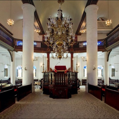 Synagogue in Curaçao. One of the oldest in the Western Hemisphere. I'm planning to return to the Caribbean soon to finish shooting this project. #synagogue #judaism #jewish #caribbean #curacao #history  (at Curacao Tourism Corporation)