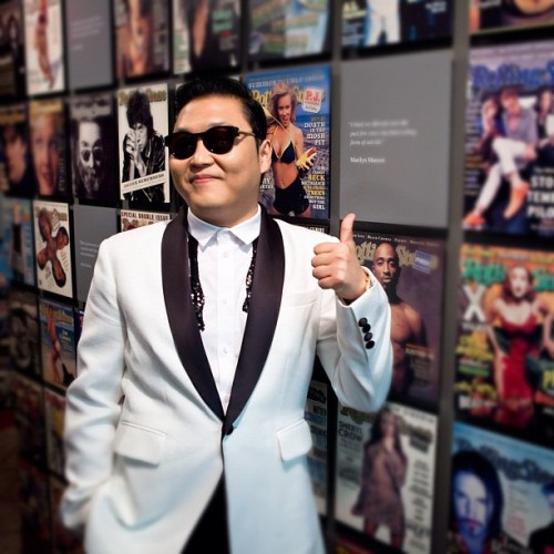 #Psy dropped by our office today and checked out our cover wall. Look for our full video interview with him on RollingStone.com.