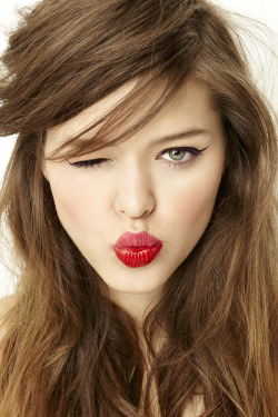 learn how to master our latest love: the two-toned lip!