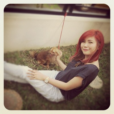 yengconstantino:  A dog and a Cat! :) :) :) MEOW!  Waaaa! Love her new hair do.. Red hair for me soon :)