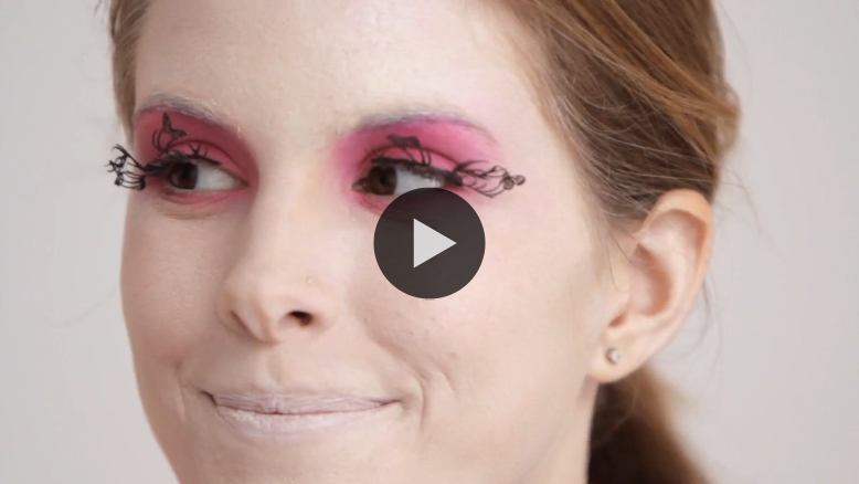 Birchbox shows you how to pull off The Hunger Games' Effie Trinket for Halloween. May the odds be ever in your favor… for those incredible eyelashes to stay on all night! :) WATCH NOW ON BLIP: Halloween Makeup Tutorial: Effie Trinket