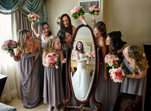 cozyclass:  most creative wedding photo ever omfg