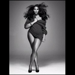 Real women have curves in all the right places. Support plus size models and stop discrimination. #plussize #plussivemodels #model #women #womenkind #curvy #curves #support #beauty