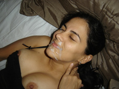 youramateurslut:  Too bad there wasn't any left for her tits.