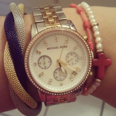 #armcandy #today #MK #watch #MichaelKors #rosegold #silver #gold #diamonds #bracelet #blue #tricolor #rosary #orange #pearls #red cross #fashion #style #instagood #circule #ring ribbon  armparty #Wednesday #October #work #office #pretty  #reloj  #round #rose