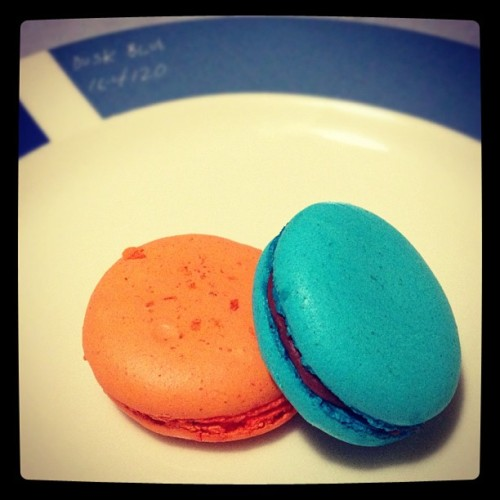 2 macaron or not 2 macaron. That is the question. cc: @ExposureAmerica