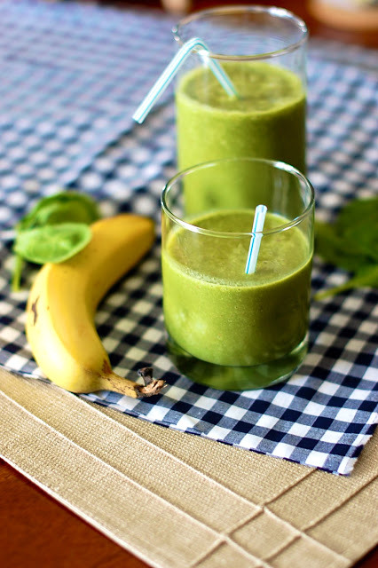 gastrogirl:  healthy green smoothie.