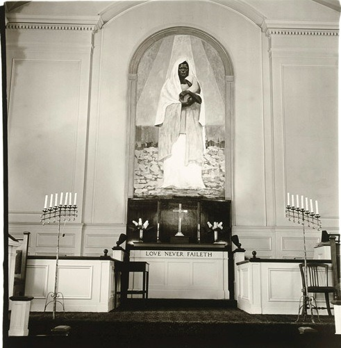 Shrine of the Black Madonna in Detroit, photo by Diane Arbus (1970)