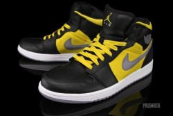 Air Jordan 1 Phat Black/Sport Yellow As football season heats up, Jordan Brand drops an Air Jordan 1 Phat that any Pittsburgh Steelers fan will love. Black leather is contrasted by yellow ripstop material and laces. A white midsole, as well as a grey Swoosh and outsole finish up this sneaker. Pick your pair up today from Premier for $105. Air Jordan 1 Phat Black/Sport Yellow 364770-050 $105 (via Air Jordan 1 Phat Black/Sport Yellow | NiceKicks.com) Follow my blog for more sneaker and clothing news. DobyShoes.Tumblr.Com