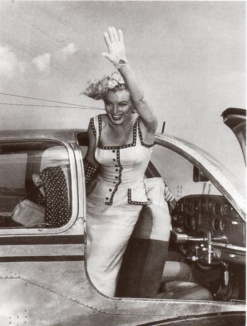 theniftyfifties:  Marilyn Monroe on her way to visit an orphanage, 1950s.