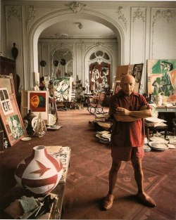 lyall:  thesorrowsofgin:  Picasso in 1956.   wow