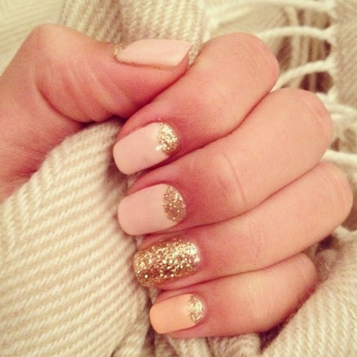 rosy-chanel:  i'm gonna try to do this on my nails :)