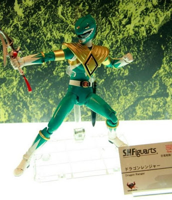 kholendx78:  morphinlegacy:  First look at the DragonRanger/Green Ranger Figuarts! http://morphinlegacy.com/2012/10/s-h-figuarts-dragon-rangergreen-ranger.html  This is awesome but, dat gekitouja! :o   *SCREAMS FOR THE NEXT 2 HOURS*