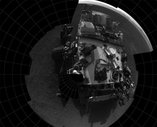 "discoverynews:   Could Mars Rover Curiosity Come Home?  As soon as NASA's newest six-wheeled rover touched down on the Martian surface, the world was hooked. Those JPL geniuses not only managed to land a robot the size of a small SUV on another planet, they captured the imagination of millions. But with all this love and fondness for a rover called 'Curiosity' came the inevitable question: Will she come home? My answer has always been: Of course not! How the heck could that huge robot be shipped back to Earth? It didn't land on Mars with an open return ticket and it certainly didn't bring its own return rocket booster! But it turns out that my ""obvious"" answer may have been a little hasty. NASA's Mars mission chief thinks a return trip might be an option for future explorers.  find out how…"