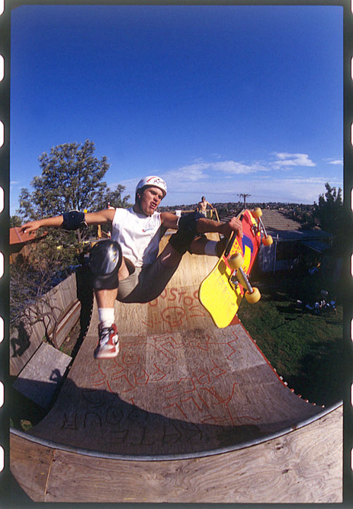 thrashermag:  Slob fastplants are hard tricks—and when done by Lee Ralph, they're classics