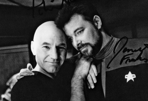 heckyespatrickstewart:  fuckyeahsirpatrickstewart:  With Jonathan Frakes.    He is Number One.