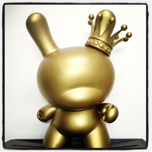 Available now! #tristaneaton 's #gold 20inch #dunny !! #munkyking #designervinyl #designervinyltoys #vinyltoys #art #toys #kidrobot