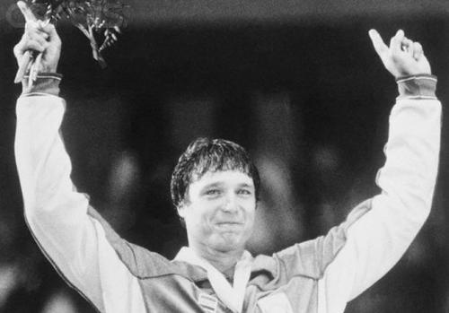 A True Champion: Gold medal-winning Olympic wrestler Jeff Blatnick passed away at the age of 55 on Wenesday as the result of cardiopulmonary arrest. Blatnick won his medal during the 1984 Olympic Games in Los Angeles after being diagnosed and treated for Hodgkin's lymphoma midway through his training period. In recent years, Blatnick has volunteered as a wrestling coach at the school attended by his two children. He is survived by his wife Lori, his son Ian, and his daughter Niki. (Photo via MMA News; ht waterman12053) source