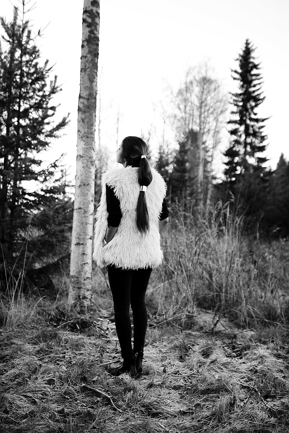 Fur vest from Gina Tricot, shoes Dr. Martens cuffs from H&M and Glitter.