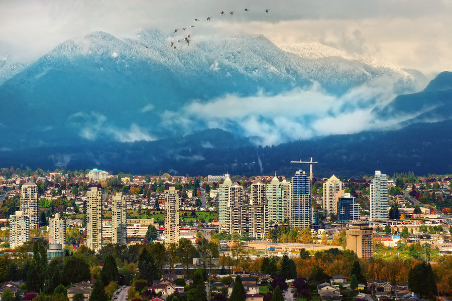 First snow on Vancouver mountain tops (via Первый снег в горах Ванкувера | Непутевая Канада. Блог Антона Белоусова)