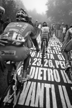 fuckyeahcycling:  Il Muro (by pedale.forchetta)