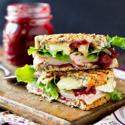 gastrogirl:  grilled turkey and brie cranwich.   FUCKME
