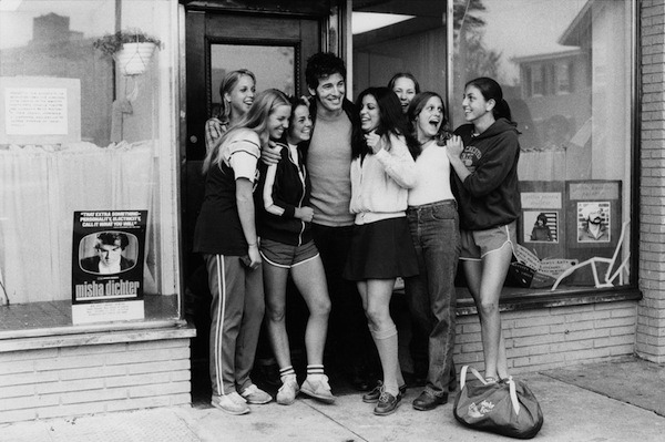 flowerfield:  Bruce Springsteen and The Girls, Red Bank, NJ, 1979 by David Gahr