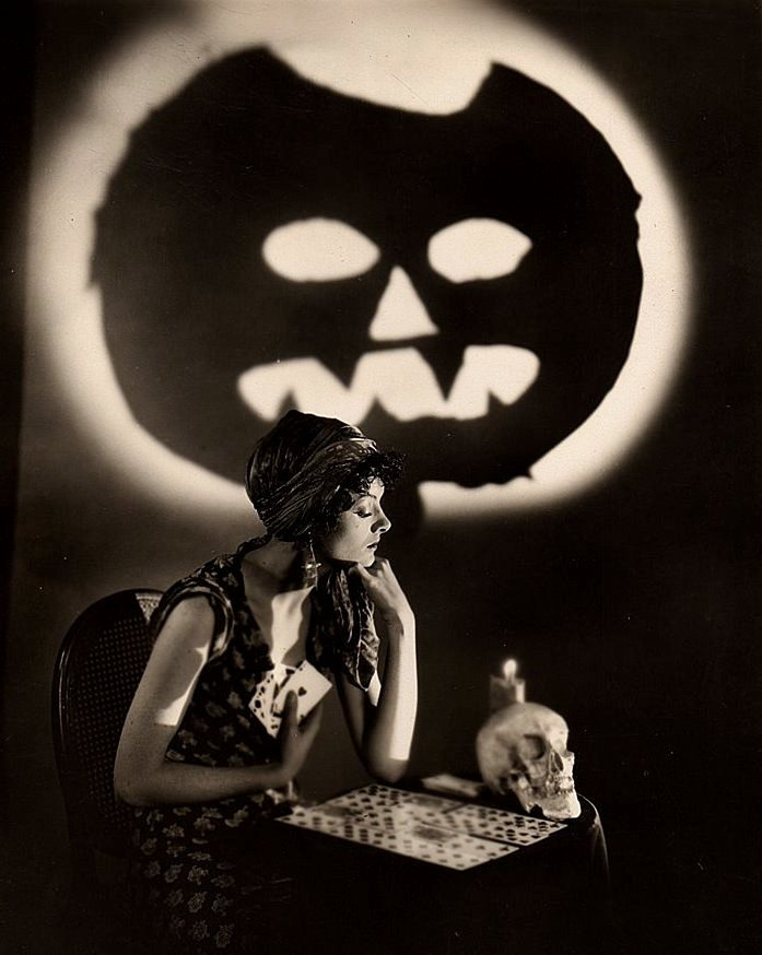 Myrna Lou Skull & Scary Face Countdown To Halloween