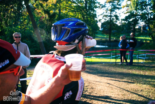 Beer hand ups. It's what makes cross, cross. DCCX Photo credit: Chris Huller/Artboredom/Cycleboredom