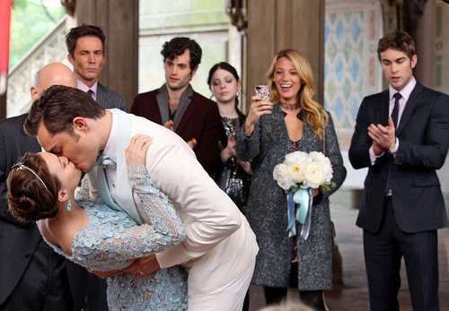 simplygossipgirl:  yes, i finally posted this picture.. i've just been avoiding posting the spoilers pictures. If you hate spoilers, just think of it this way: You were gonna see it sooner or later.   Finally =)