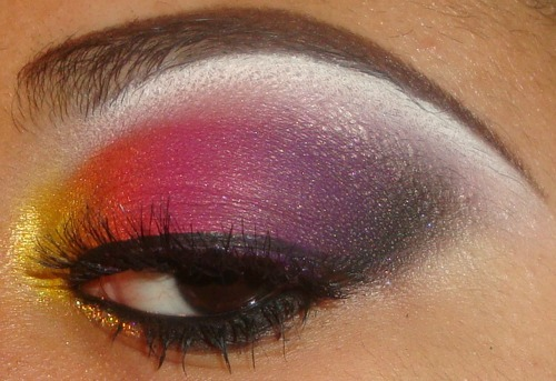 Yellow.Orange,Pink,Purple & Black Eyeshadow Tutorial here http://youtu.be/-4p_qFmnM6c can see more of my videos and subscribe here http://www.youtube.com/user/MakeMeUpbyWhitney?feature=mhee