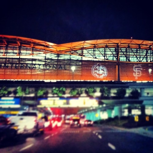2-0 baby! #giants #sweep #sf #sfo #airport